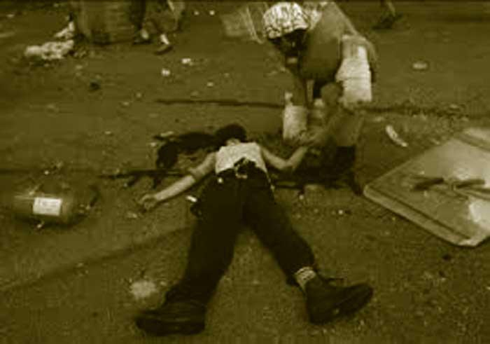15 AÑOS SIN CARLO. EL BRUTAL ASESINATO DE UN NO-GLOBAL A MANOS DE UN CARABINERO DE 20 AÑOS.
