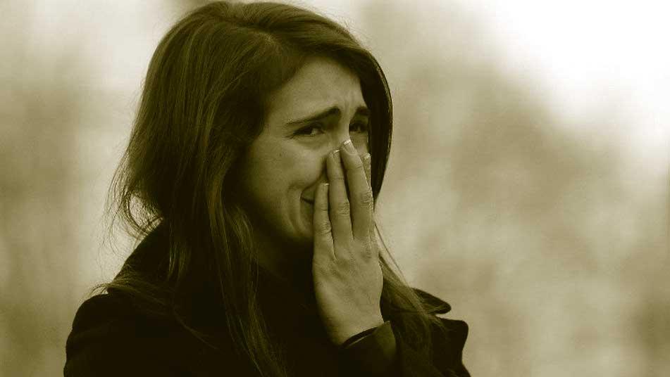 mujer llorando atentando Niza