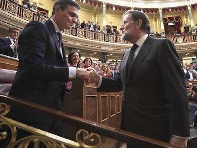 Rajoy Felicitando A Pedro Mocijón